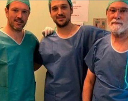 Doctores Martinez Alcalá en Clínica Creysade colocando balones gástricos